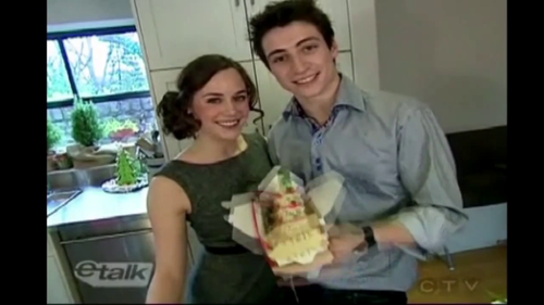 eTalk Holiday Baking With Tessa and Scott  - tessa-virtue-and-scott-moir Screencap