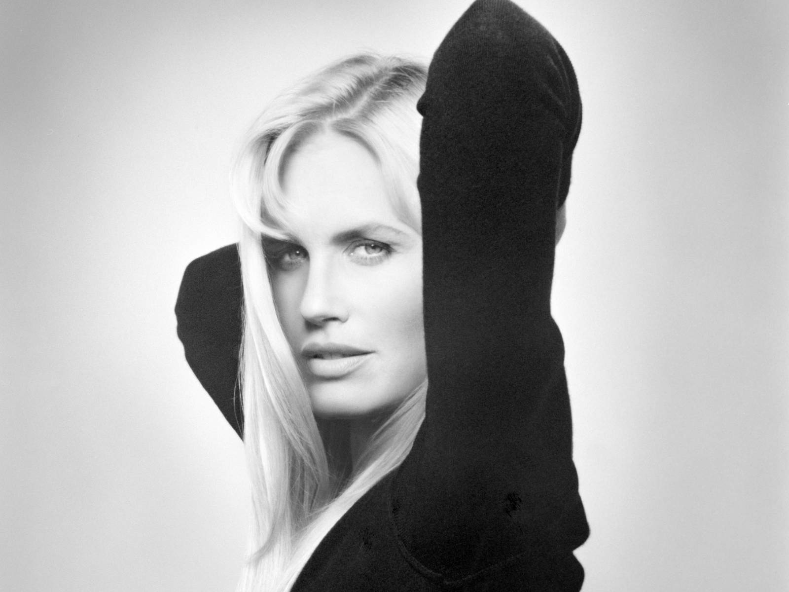 Daryl Hannah - Wallpaper Colection