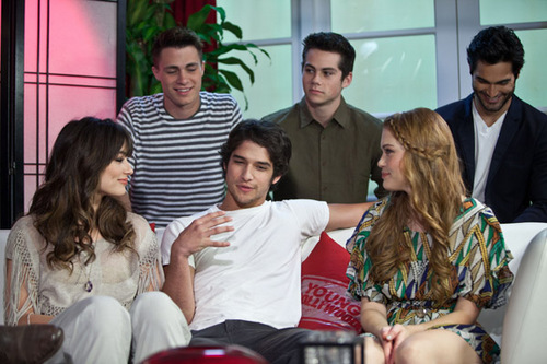"""""""Teen Wolf"""" Cast Visit Young Hollywood Studio - 10.06.11"""