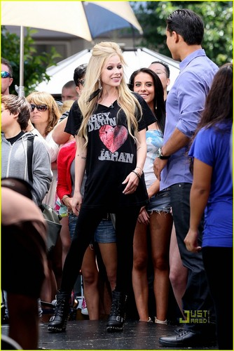 Avril Lavigne: Abbey Dawn Hapon Tee!