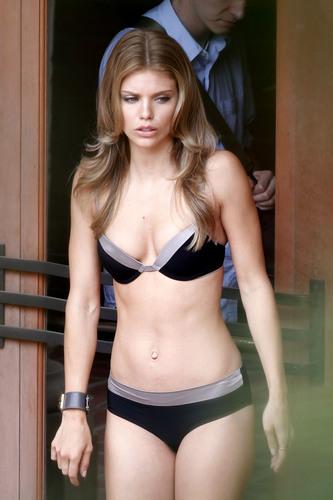"Bikini Candids On ""90210″ Set"
