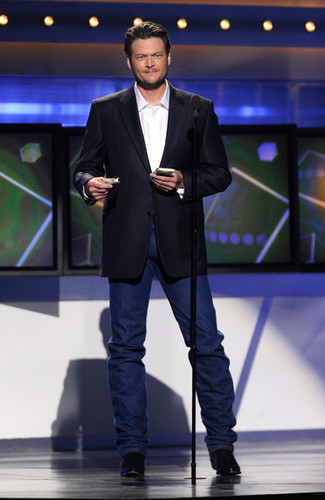 Blake Shelton - 46th Annual Academy Of Country musik Awards - tampil