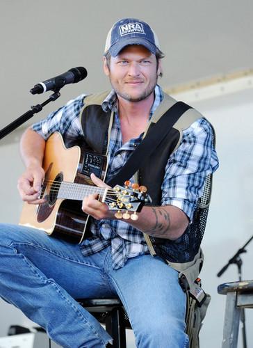 Blake Shelton - 46th Annual Academy Of Country musik Awards - USO konser