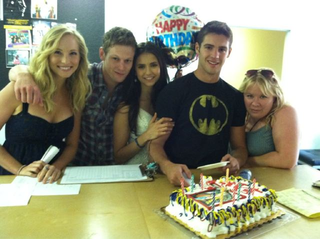 Candice and some of her TVD cast mates celebrating Steven's birthday!