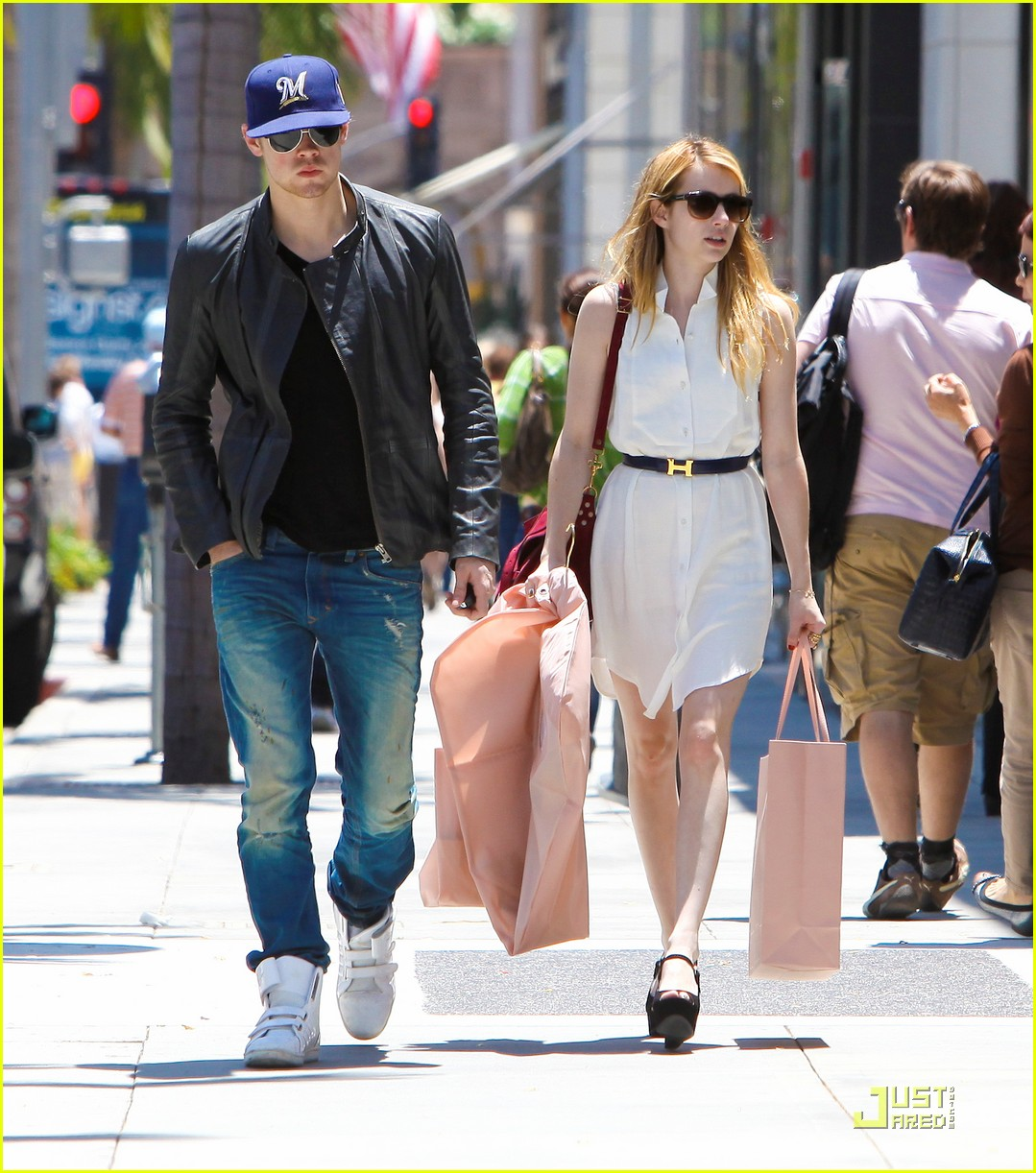 chord overstreet dating Xem video emma watson's fans are convinced she is dating former glee star chord overstreet fans have been keeping notes of when and where emma and chord have been spotted together.