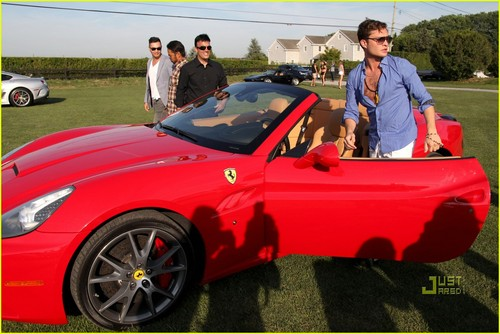 ed westwick wallpaper probably containing a roadster titled Ed Westwick: Hamptons Rally with Ferrari!