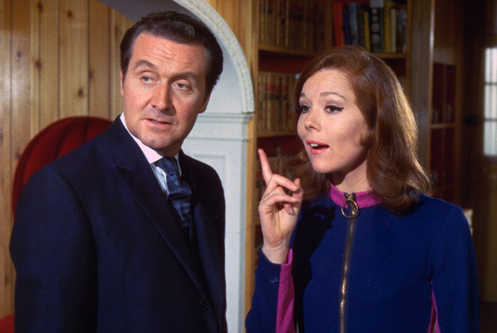 Emma Peel & John kuda, steed