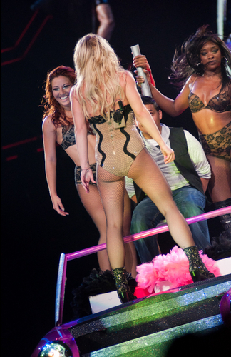 Femme Fatale Tour In Houston 13 07 2011