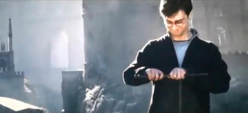 Harry breaks the elder wand harry potter photo 23716711 for Harry elder