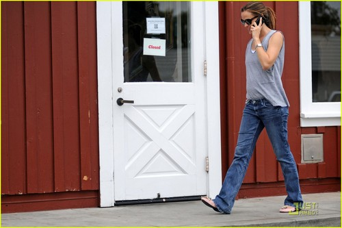 Jennifer Garner: چائے Time at the Brentwood Country Mart