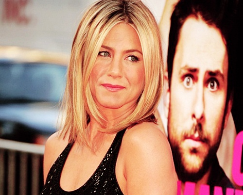 Jennifer Aniston wallpaper possibly with attractiveness and a portrait entitled Jennifer