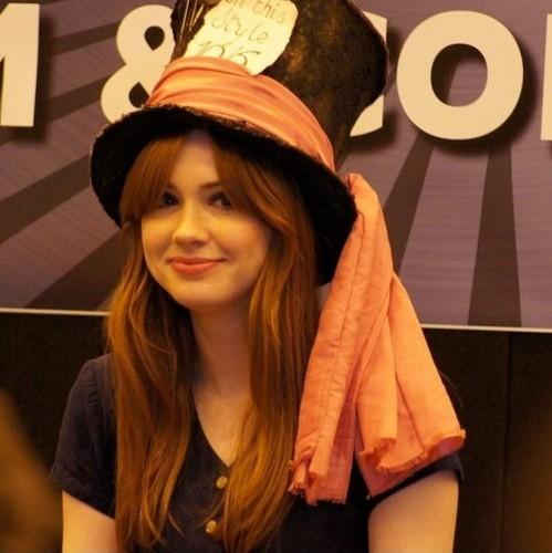 Karen Gillan @ Лондон Film & Comic Con July 9th 2011