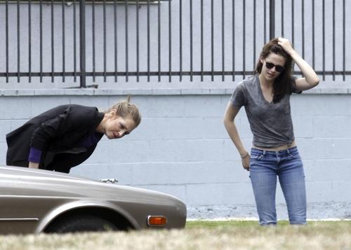 Kristen Stewart Gets Into a Fender Bender in Hollywood. [July 14]
