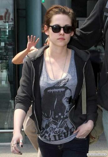 Kristen Stewart [New/Old Candids]