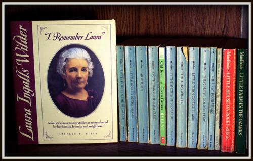 Laura Ingalls Wilder fond d'écran with a bookshop and animé entitled Laura ♥