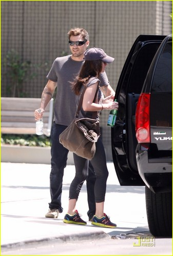 Megan cáo, fox & Brian Austin Green: LAX to NYC!