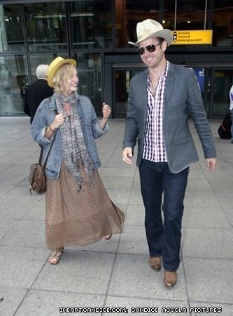 New/old candids of Candice Departing Heathrow airport in Лондон with Matt Davis [30/05/11]