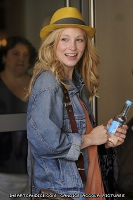 New/old candids of Candice leaving the Soho Hotel in London! [04.06.11]
