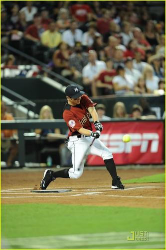 Nick Jonas: 2011 Celeb All-Star Game (07.10.2011) !!