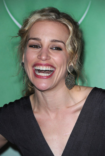 Piper Perabo - NBC Universal 2011 Winter TCA Press Tour All-Star Party