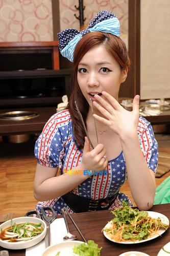 T-ara celebrates