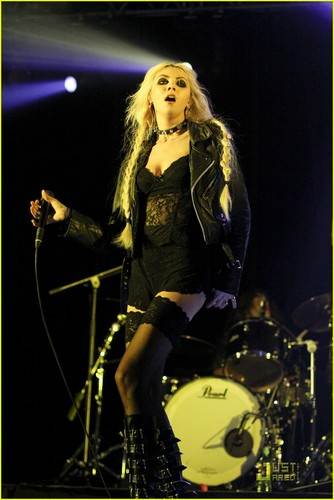 Taylor Momsen: I Don't Think About jouer la comédie