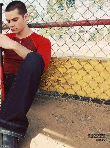 "Dylan O'Brien karatasi la kupamba ukuta containing a chainlink fence entitled Troix Magazine ""Boys of Summer"" Issue- July 2011"