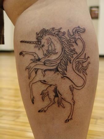 Unicorn mga tattoo