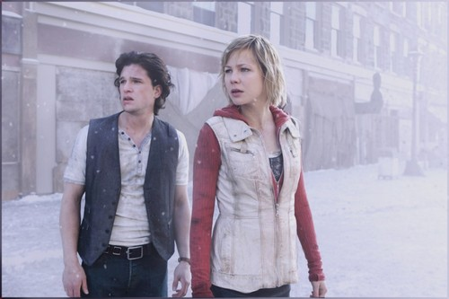 Vincent (Kit Harington) and Heather (Adelaide Clemens) in Silent Hill: Revelation