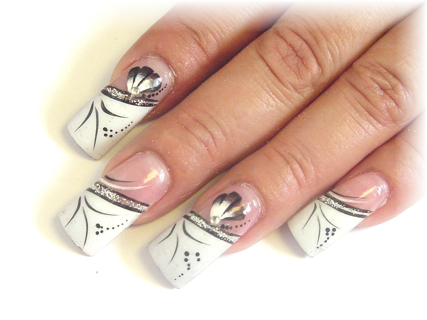 Cool nail polish design for short nail