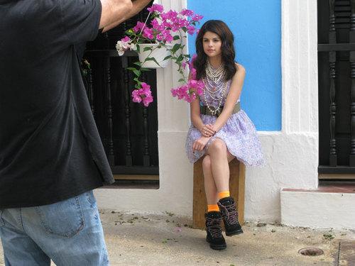 selena backstage photoss