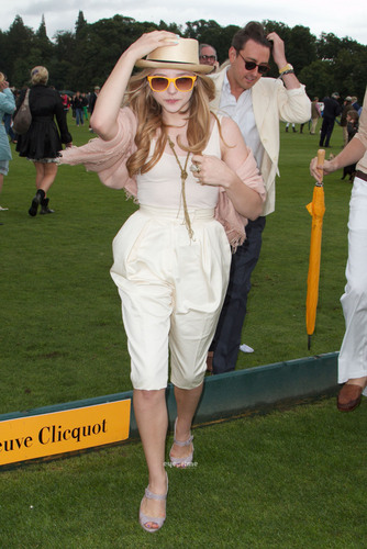 Chloe Moretz: The Veuve Clicquot dhahabu Cup Final