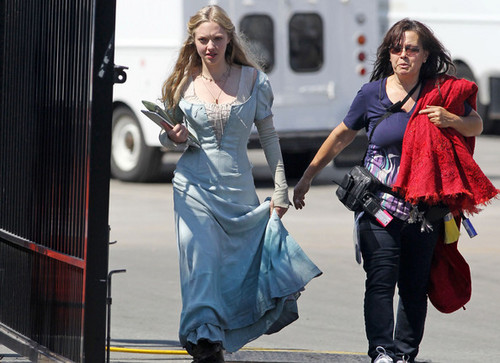 """""""Red Riding Hood"""" Cast on Set"""