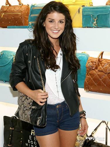 Shenae Grimes: Rebecca Minkoff cửa hàng In cửa hàng Event in Hollywood, July 19