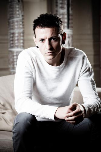 Chester Bennington wallpaper possibly with a leisure wear, a sleeve, and a polo shirt entitled Chester Portrait Session (2009)