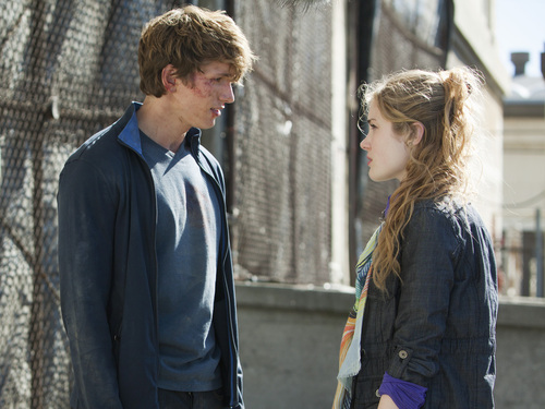 "Chloe and Alek - 1x07 ""Dogs of War"""