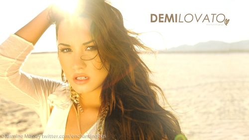 Demi Wallpaper❤