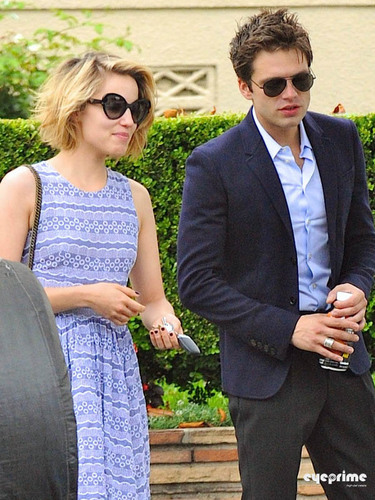 Dianna Agron Leaves Sebastian Stan's Apartment