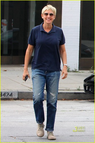 Ellen DeGeneres & Portia de Rossi: Furniture Shopping! - ellen-degeneres Photo