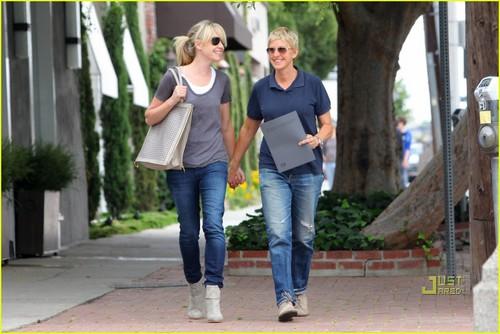 Ellen DeGeneres & Portia de Rossi: Furniture Shopping!