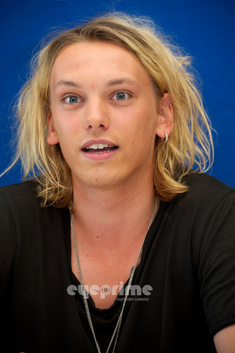 Jamie Campbell Bower 壁紙 probably containing a portrait entitled Jamie Campbell Bower: Anonymous Press Conference