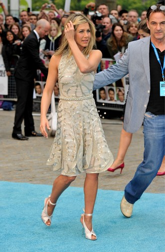 Jennifer Aniston At Horrible Bosses Premiere, लंडन 20 07 2011