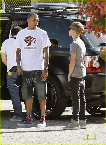 Justin Bieber Meets Up with Chris Brown