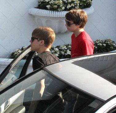 Justin Bieber with 老友记 in LA