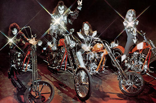 KISS پیپر وال possibly with a trail bike titled Kiss 1978