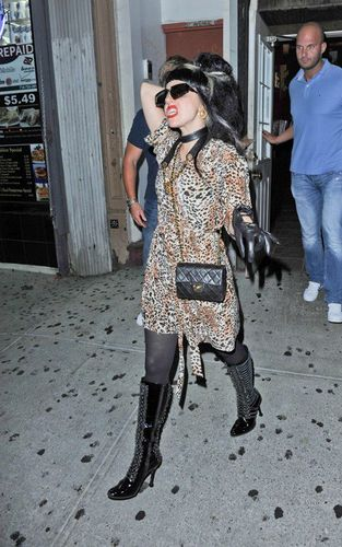 Lady Gaga wallpaper with a hip boot entitled Lady GaGa at the Max restraunt(18 of July)