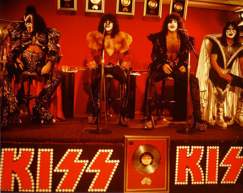 KISS wallpaper possibly with a concert titled Unmasked Era