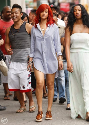 Rihanna - Wiht Melissa out and about in New York City - July 18, 2011