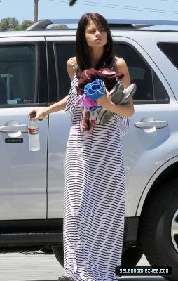 Selena Gomez arrives at a studio in mobil van, van Nuys-July 18