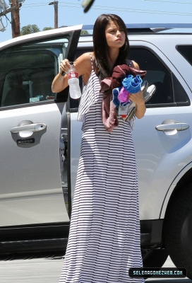 Selena Gomez on Selena Gomez Arrives At A Studio In Van Nuys July 18   Selena Gomez
